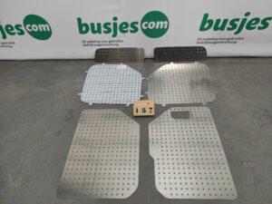 Productafbeelding: Aluminium perfo panelen achterdeuren VW Crafter H3 boven & onder NIEUW (nr 157)